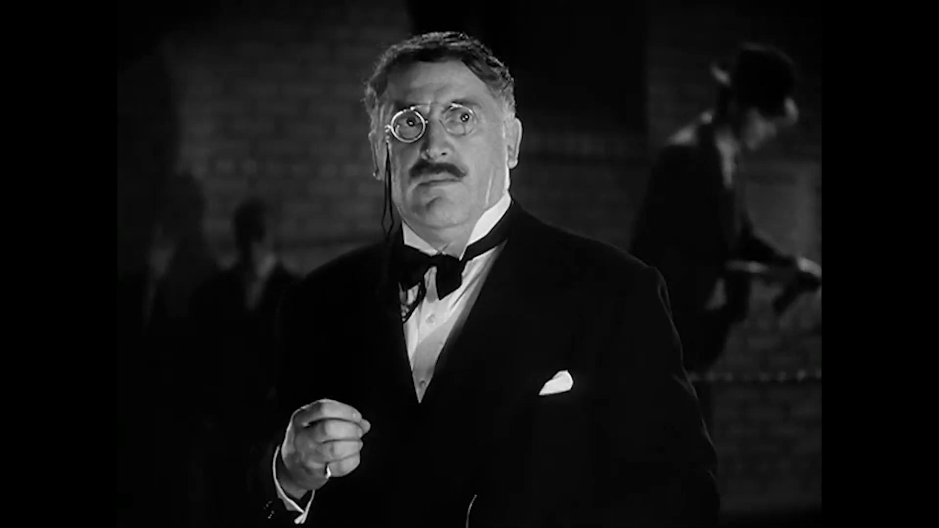 L'acteur Michael Visaroff est le docteur Otto Von Brom dans Charlie Chan at the Wax museum (1940) de Lynn Shores