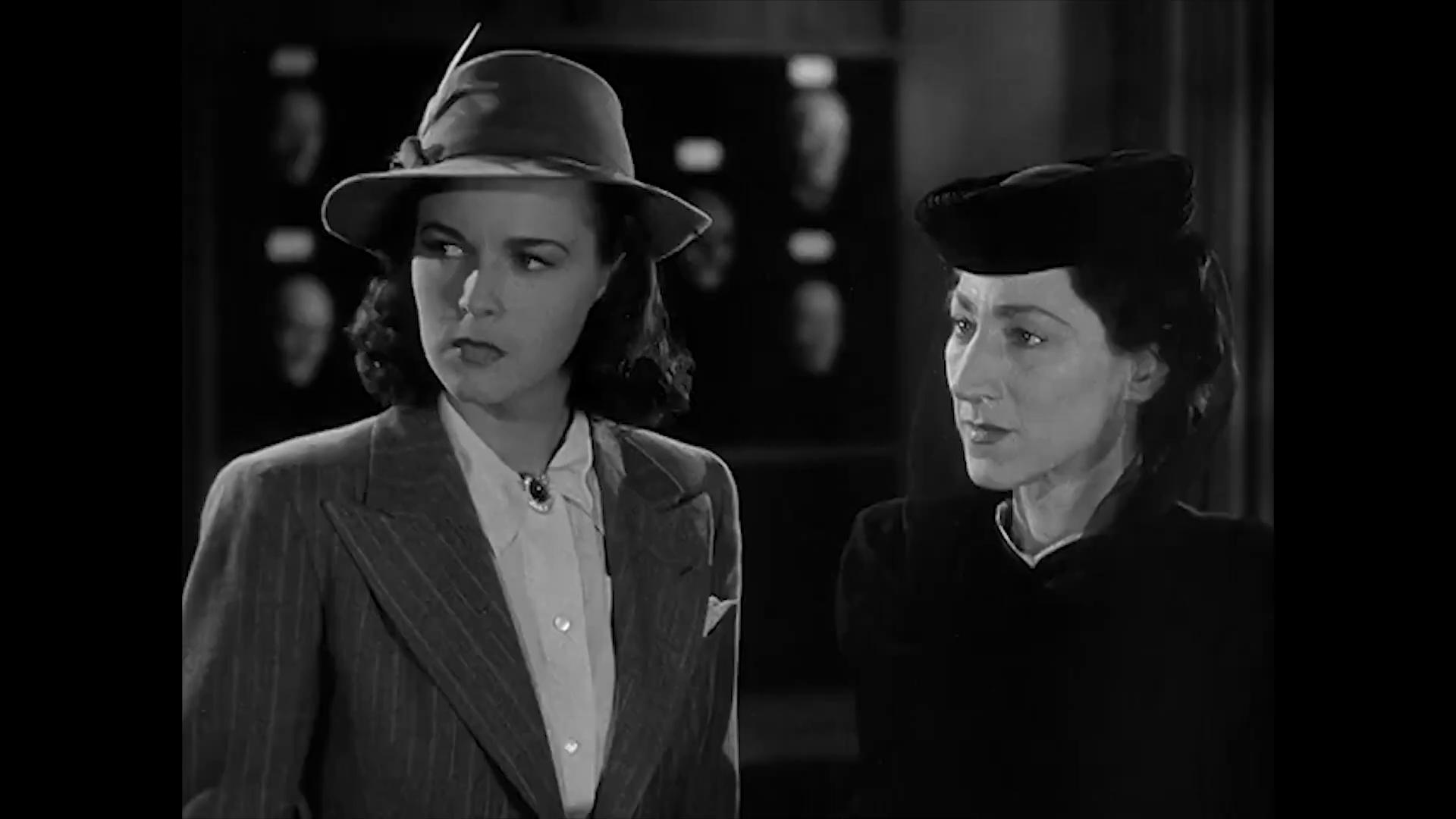 Marguerite Chapman et Hilda Vaughn dans Charlie Chan at the Wax museum (1940) de Lynn Shores