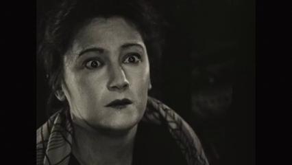 Eve Francis dans le film muet L'inondation (1924) de Louis Delluc