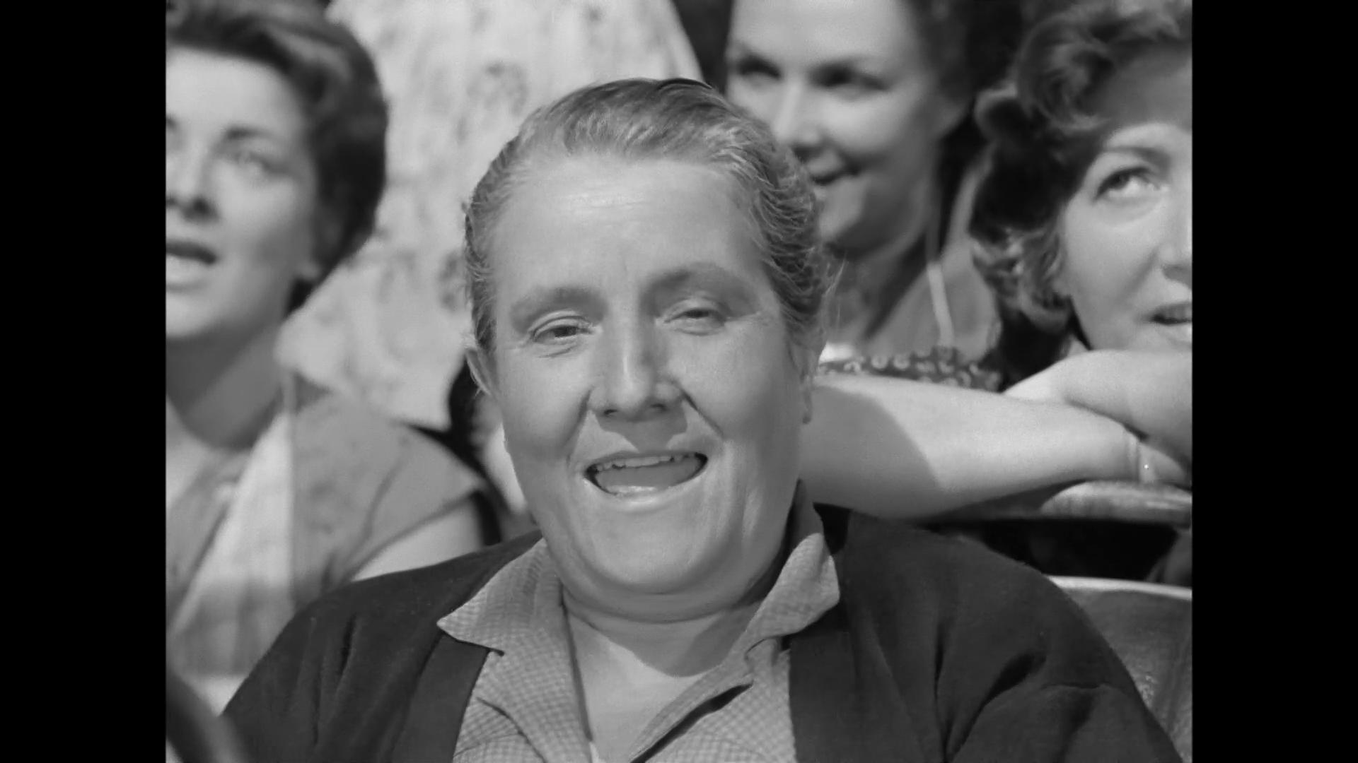 L'actrice Marthe Marty dans Le cas du docteur Laurent (1957) de Jean-Paul Le Chanois