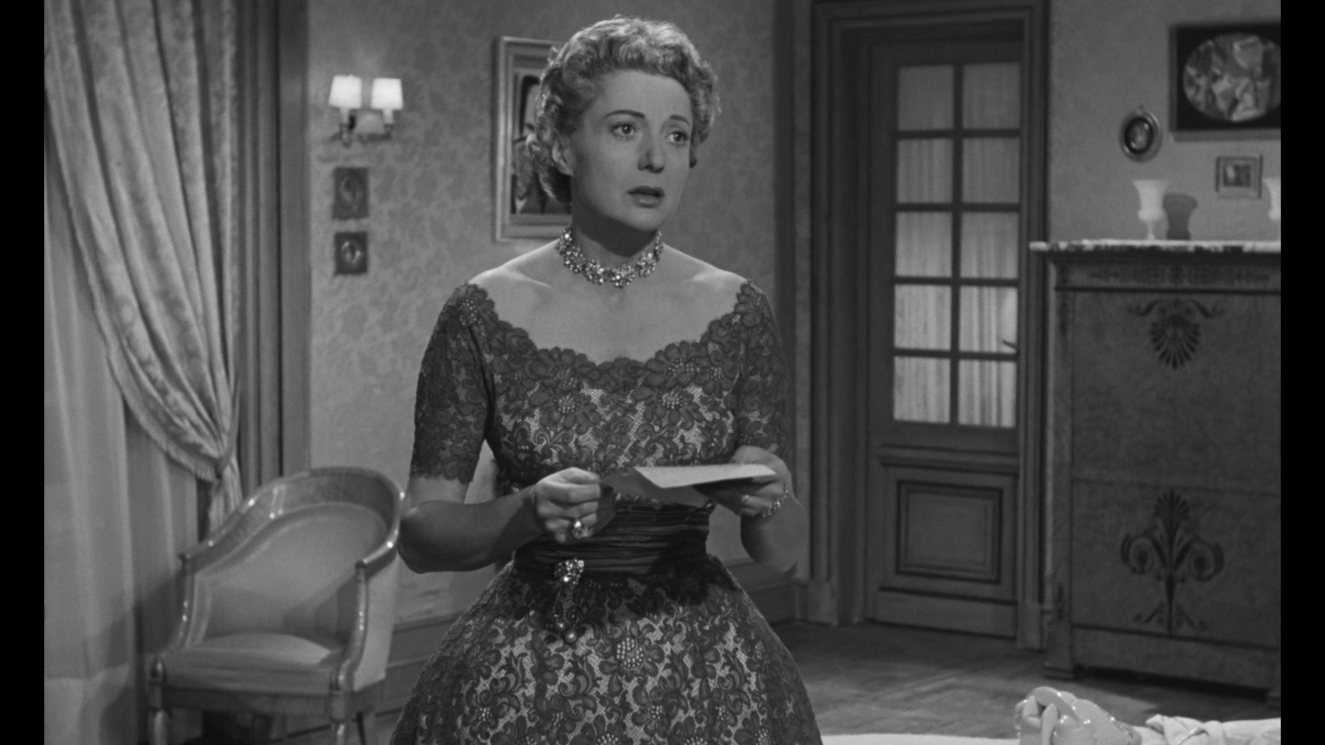 Annie Ducaux dans le film Les grandes familles (1958) de Denys de la Patellière