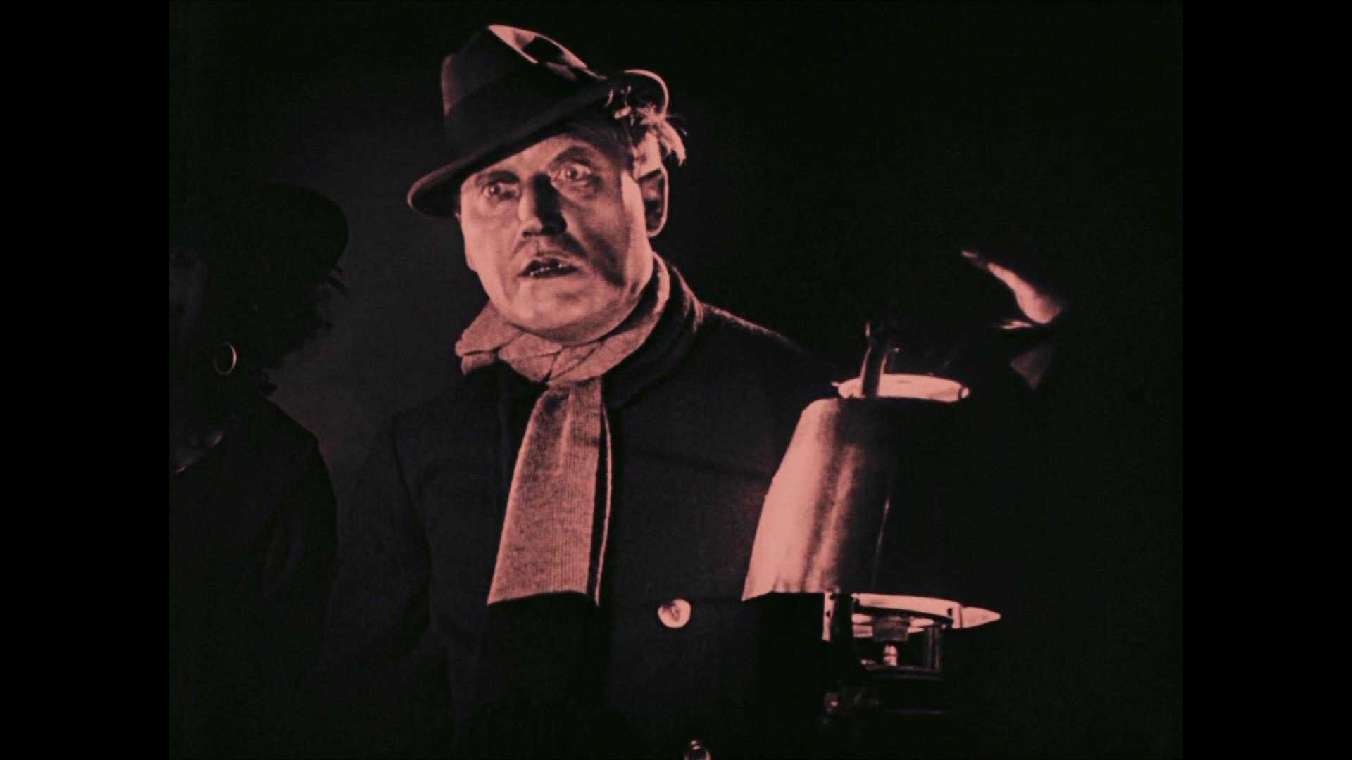 Werner Krauss est Jack l'éventreur dans Das Wachsfigurenkabinett (Le cabinet des figures de cire, 1924) de Paul Leni