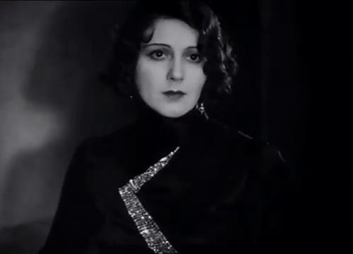 Renée Héribel dans La maison jaune de Rio (1931) de Karl Grune
