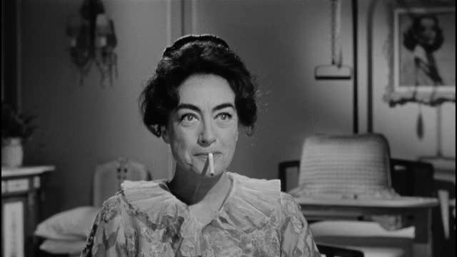 Joan Crawford dans Qu'est-il arrivé à Baby Jane ?